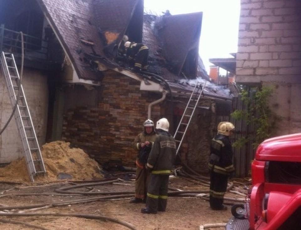 Пожар удалось потушить через 45 минут после того, как стало известно о нем.