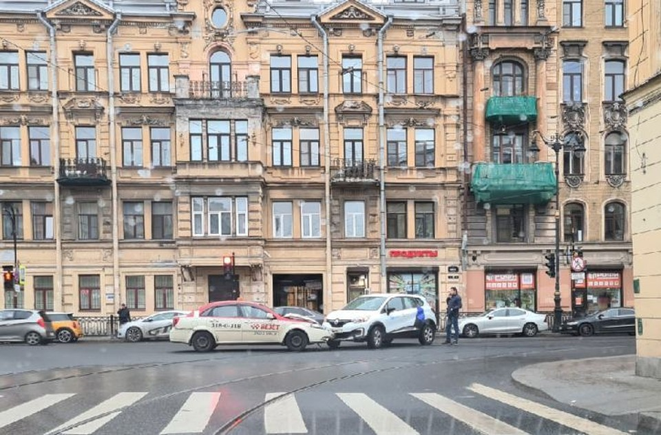 Авария произошла на перекрестке Фото: ДТП и ЧП Санкт-Петербурга