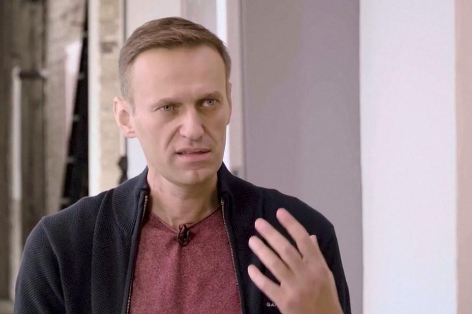 Оппозиционер раздает интервью западным СМИ