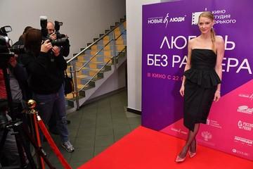 «Модный провал»: Светлану Ходченкову обвинили в отсутствии вкуса