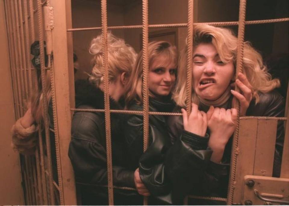 Проститутки в полицейском участке