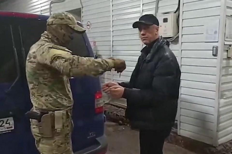 Анатолия Быкова задержали сразу после того, как суд отпустил экс-депутата под домашний арест