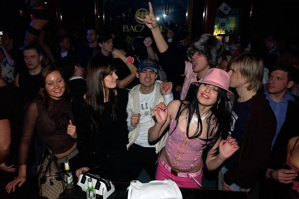 """Клуб """"Адреналин Стадиум"""" на севере Москвы опечатали за нарушения антикоронавирусных мер"""