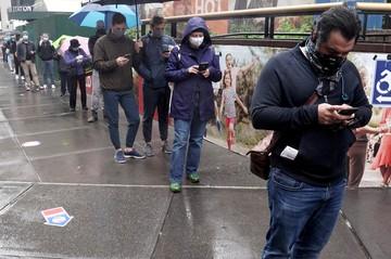 В Нью-Йорке выстраиваются огромные очереди к избирательным участкам