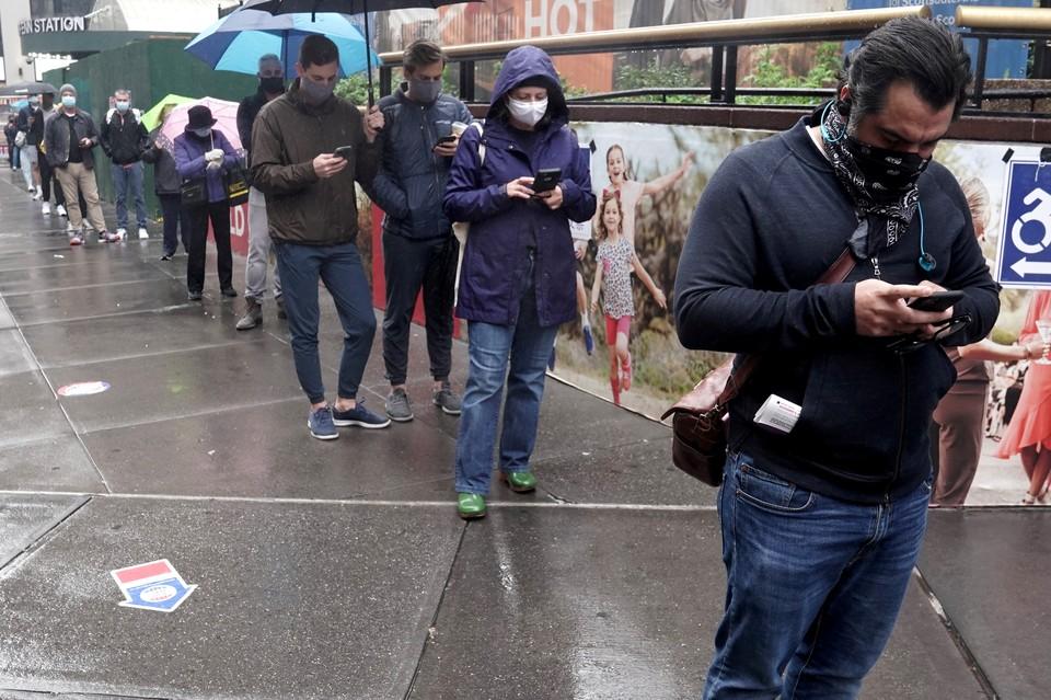 Очередь к избирательному участку на Манхеттене.