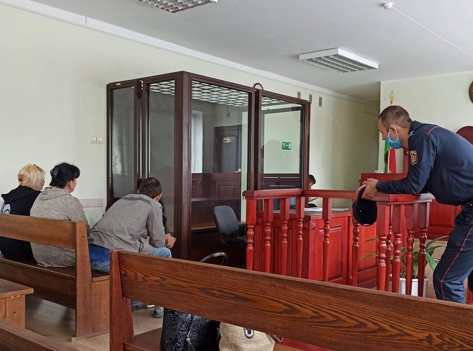 Артема судили за убийство, но освободили от уголовной ответственности.