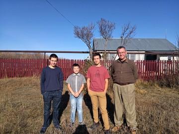 «Нам нужен миллион!» Как живет отец с тремя сыновьями, которых грозились отобрать из-за нежелания ходить в школу