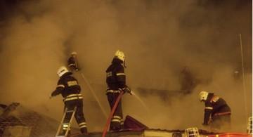 В Тамбовской области мужчина поджег дом, в котором находились его жена и трое детей