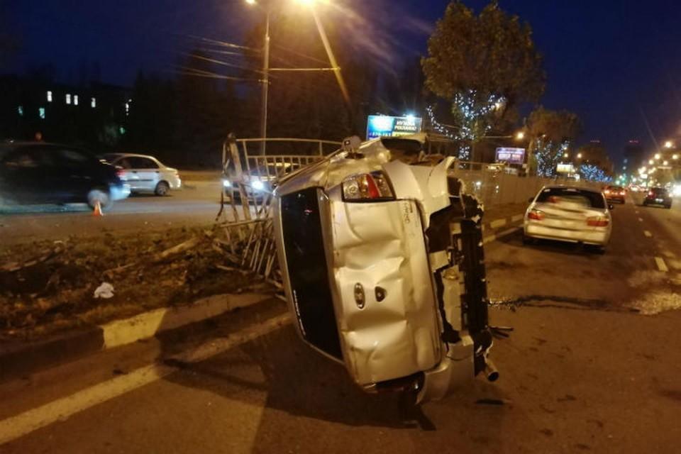 Водитель легковушки получил травмы