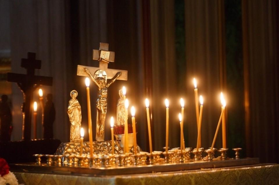 """Из 10-летнего ребенка изгоняли """"демонов"""" свечами, иконами и святой водой."""