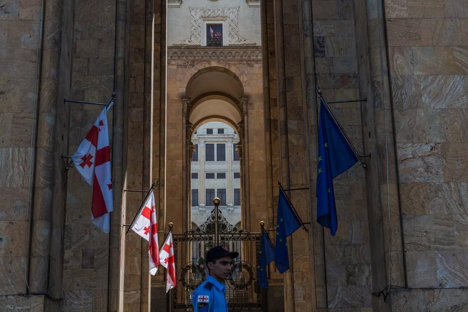 Оппозиция Грузии не согласна с данными ЦИК и намерена опротестовать результаты выборов