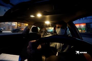 «Эта мера убьет легальные компании»: уральские такси потребовали у ГИБДД России объяснить, как устанавливать защитные экраны