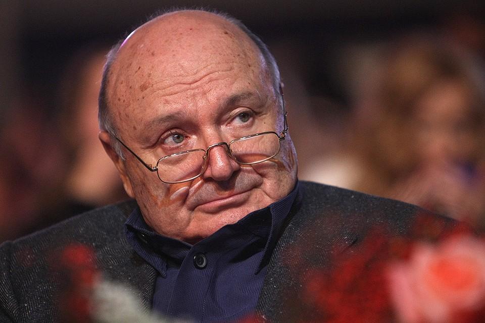 Писатель Михаил Жванецкий скончался на 87-м году жизни.