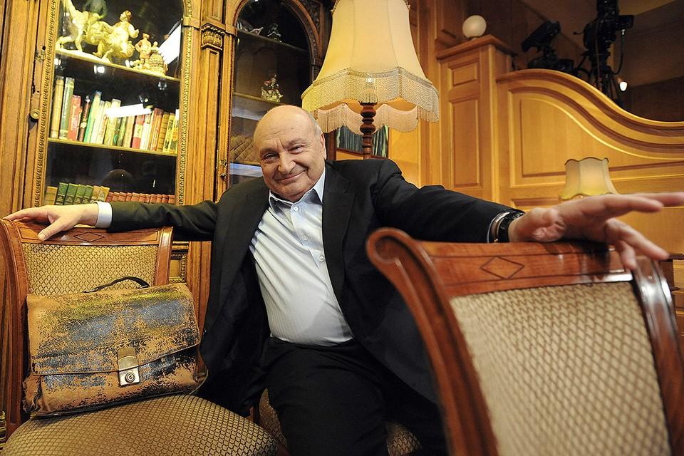 Писатель Михаил Жванецкий во время записи телепередачи, 2009 год. Фото ИТАР-ТАСС/ Григорий Сысоев