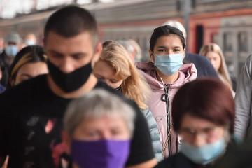 Ограничения из-за коронавируса в Московской области с 11 ноября 2020: Студенты перейдут на дистанционку, а пожилым заблокируют соцкарты