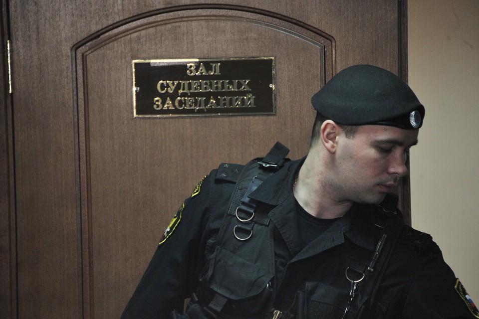 Следствием и судом установлено, что Тарасов организовал самовольное строительство многоквартирного дома по улице Кандагарской в Красноярске