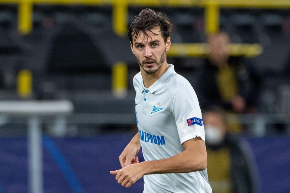 У полузащитника сборной России Ерохина - подозрение на коронавирус.