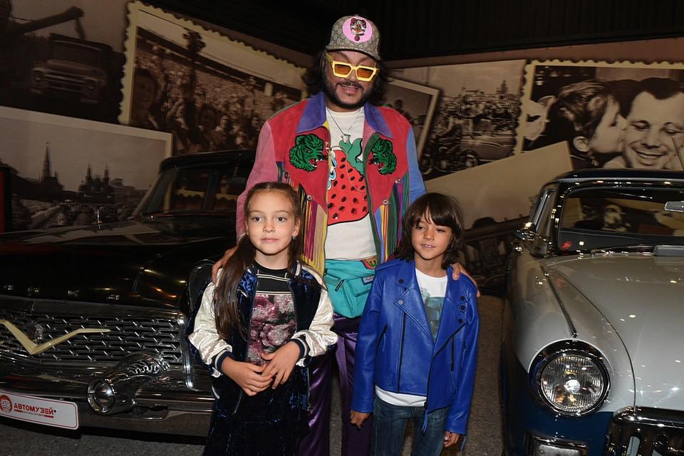 Филипп Киркоров со своими детьми Аллой-Викторией и Мартином