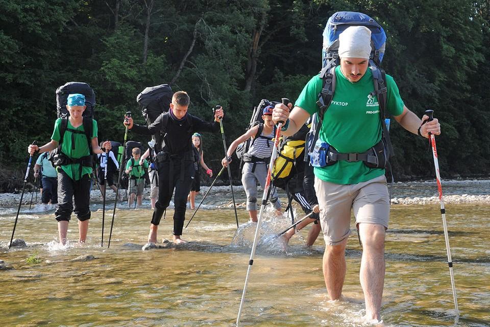 Детские туристические походы станут частью образования, а тренеров приравняют к учителям.