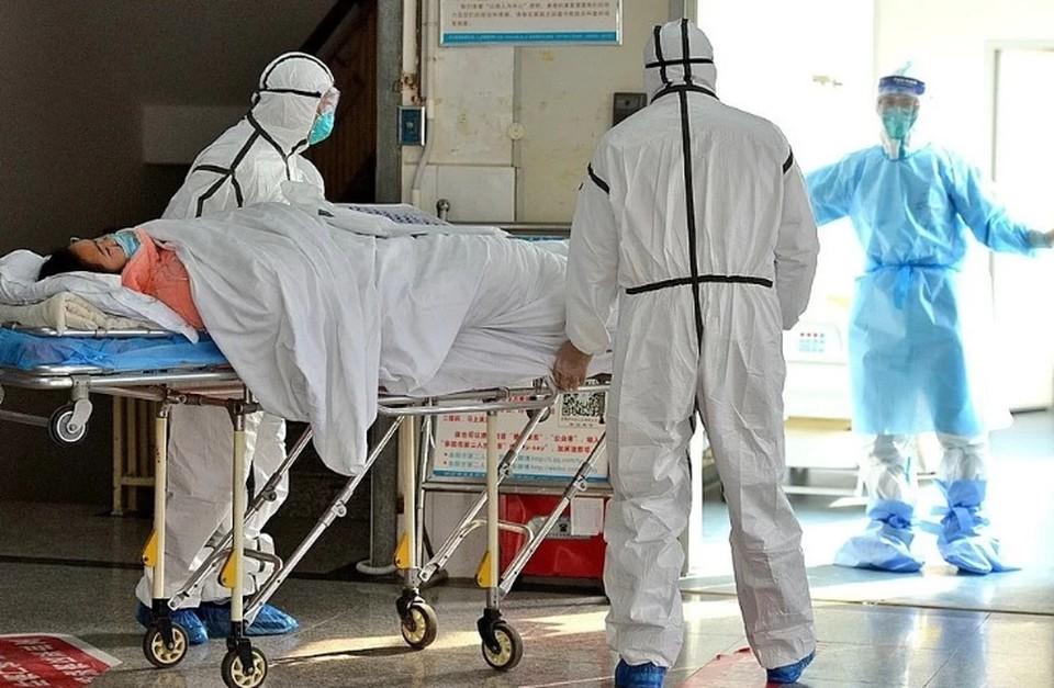 Количество свободных коек для пациентов с коронавирусом назвали в Минздраве