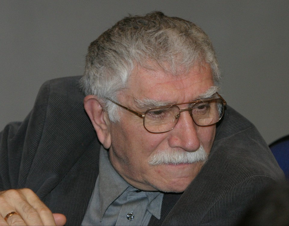 Стала известна причина смерти Армена Джигарханяна, артист умер в ночь на субботу от отека почек.