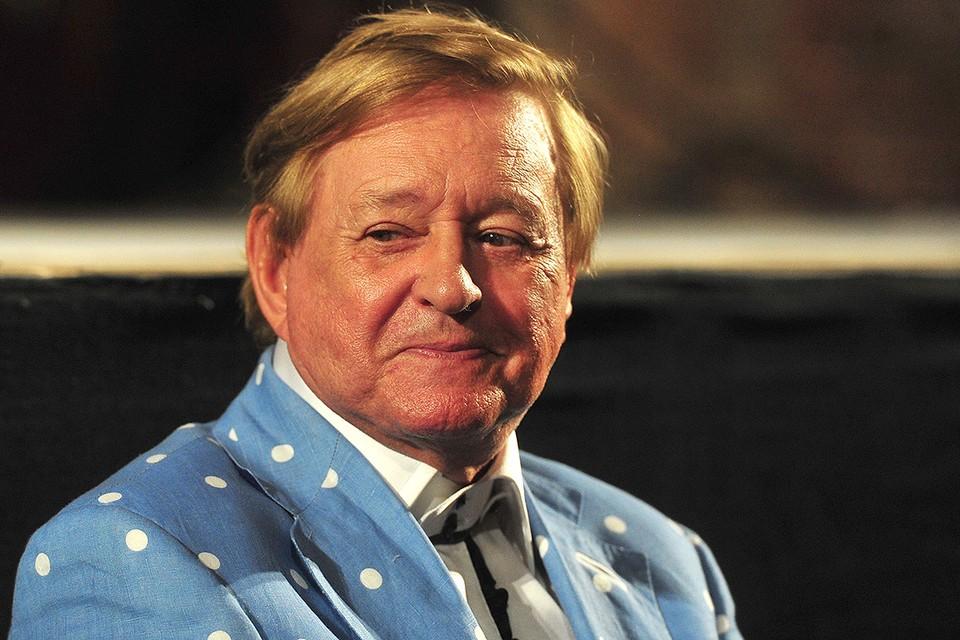 Режиссер Роман Виктюк скончался 17 ноября.
