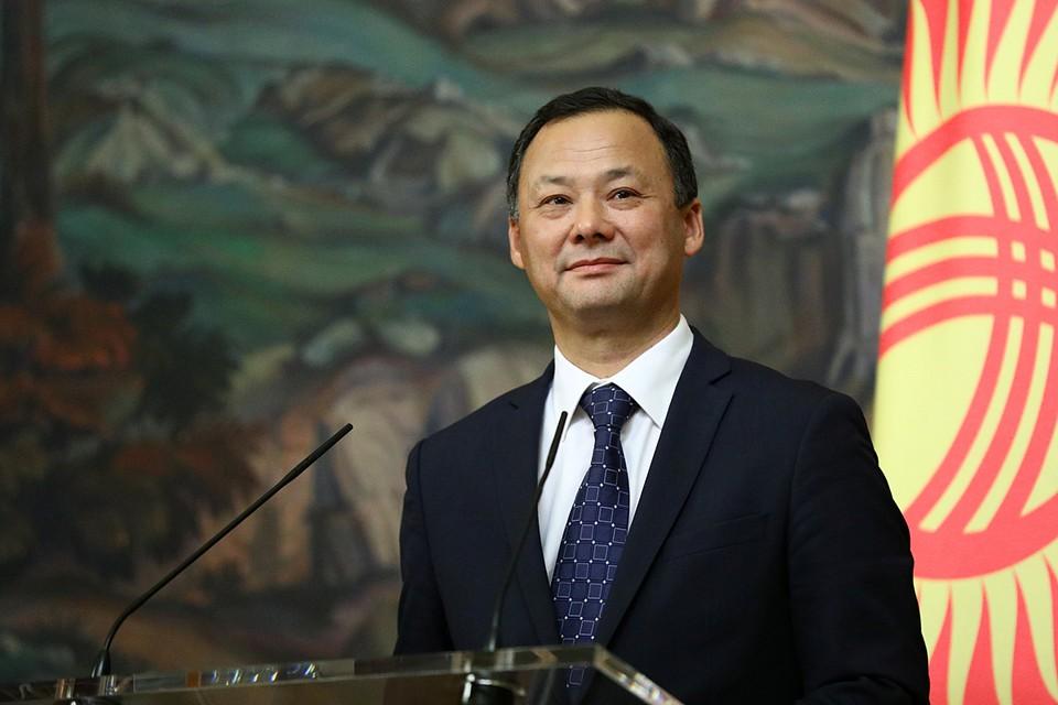 Новым министром иностранных дел стал один из самых опытных киргизских дипломатов — Руслан Казакбаев