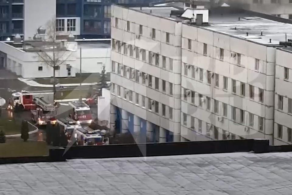 """Кадр из видео пожара, присланного очевидцем в редакцию """"КП""""."""