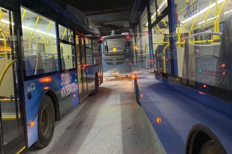 В Новокузнецке на линию вышли всего 193 автобуса. Фото: Сергей Кузнецов/ Instagram