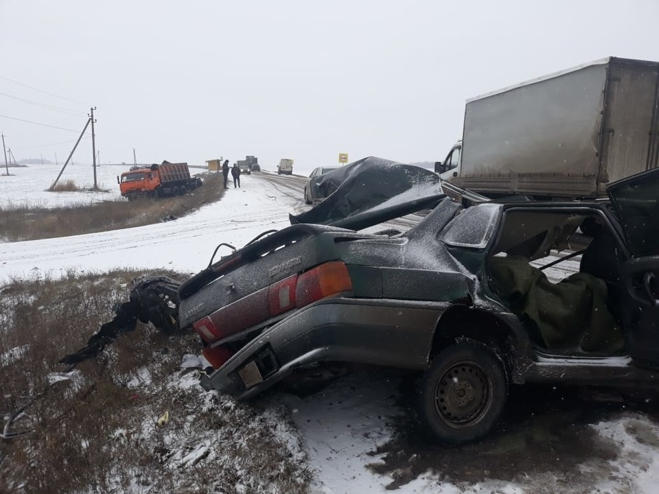 "Водитель ""ВАЗа"" погиб на месте аварии"