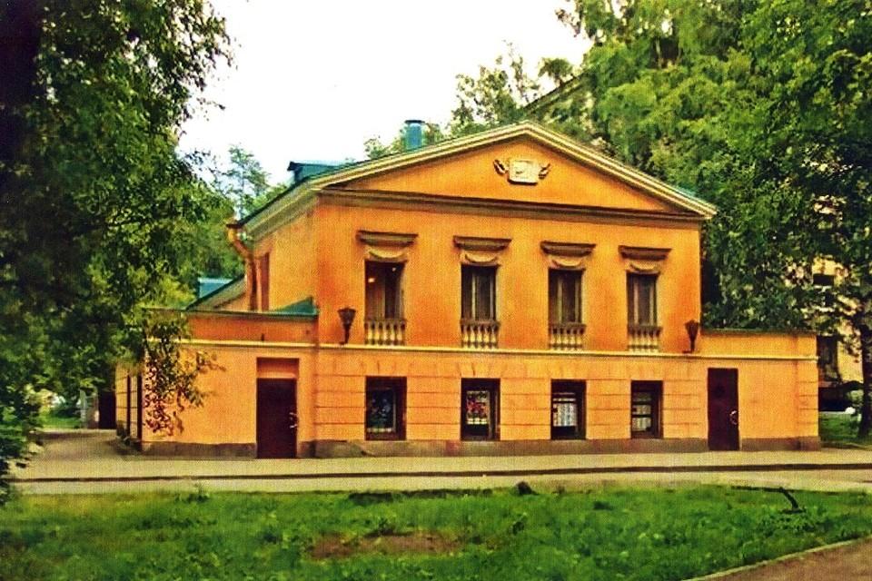 """Здание кинотеатра """"Уран"""" отремонтируют за год. Фото: gov.spb.ru"""