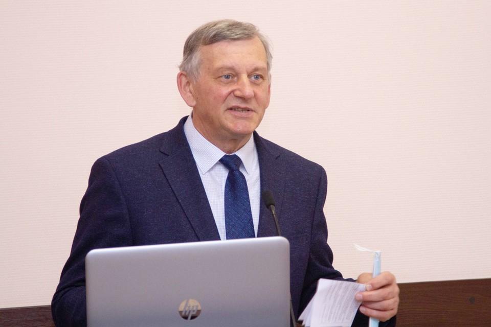 Анатолий Батаев.