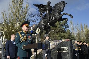 Генерал Котляревский появился в Феодосии на коне