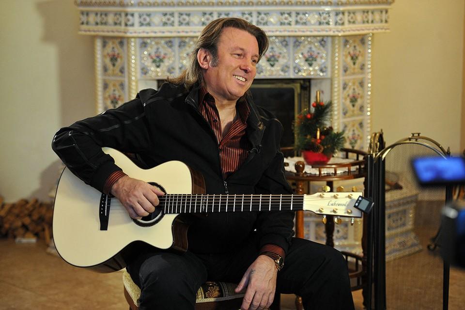 """Юрий Лоза, как оказалось, является нежелательным гостем """"Голубых огоньков"""". Виной тому, по словам известного музыканта, стало нежелание его коллег по шоу-бизнесу уступать свое место."""