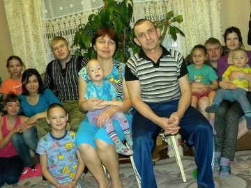«Я всегда была их мамой»: семья из Коми усыновила семерых детей, воспитывая своих двоих