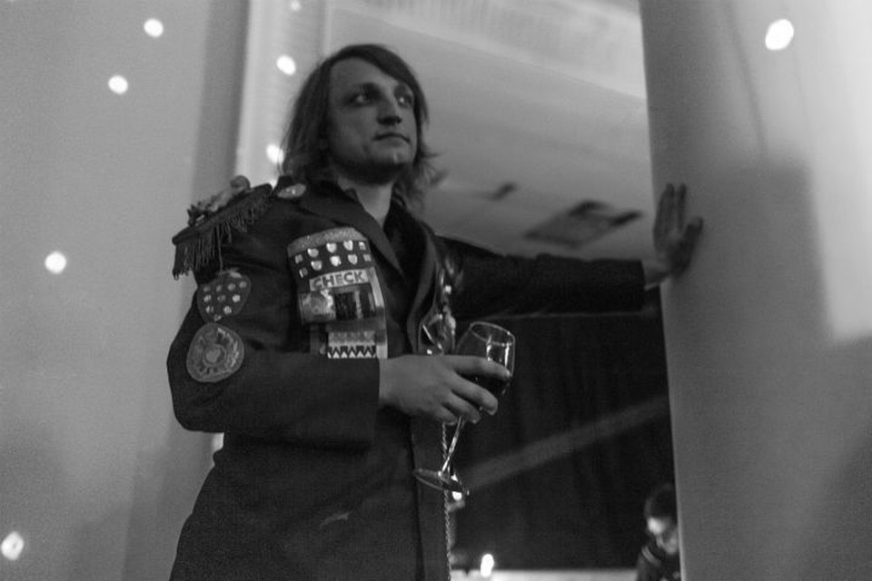 Организатор БДСМ-вечеринок в разгар пандемии устроил тусовку в честь дня рождения Фото: страница Стаса Славиковского в ВКонтакте
