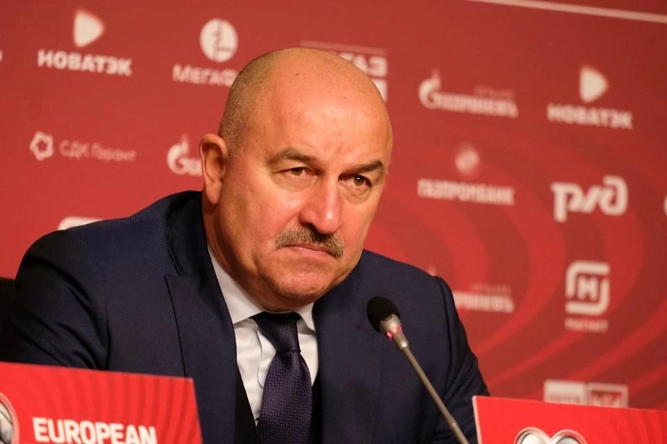 Черчесов попросит не наказывать фанатов ЦСКА, назвавших его «усатой свиньей»