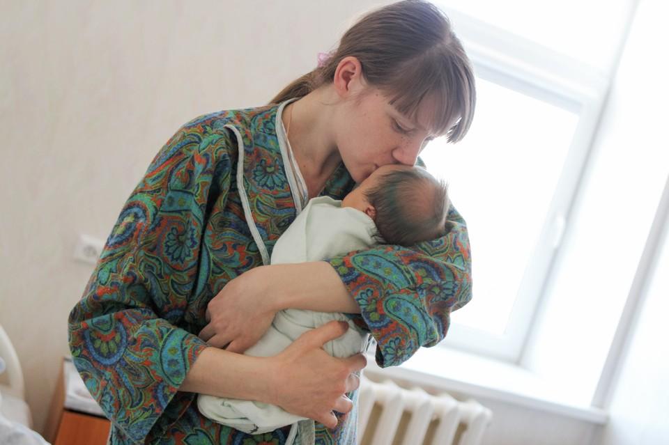 Малыша не сразу отдают матери: будущим мамам из Башкирии рассказали об особенностях родов во время эпидемии коронавируса