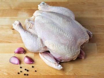 «Кулинарный критик»: в Печоре осудили женщину за удар сожителя замороженной курицей