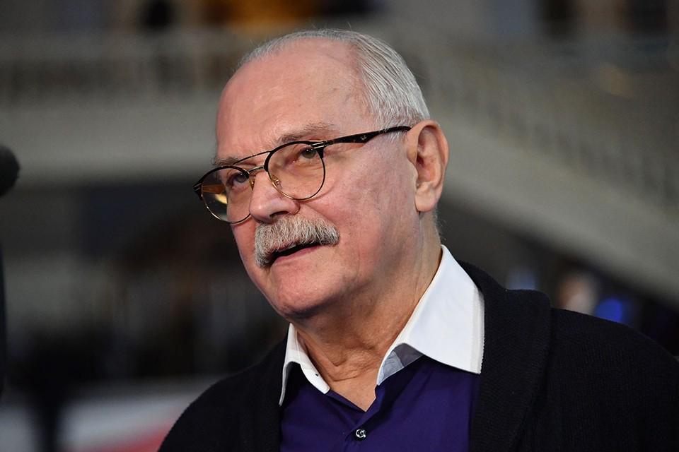 Российский кинорежиссер, автор передачи «Бесогон ТВ» Никита Михалков выступил с критикой перевода школьного образования в цифровой формат.
