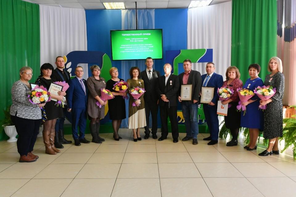 Врачей в Хабаровском крае наградили за борьбу с распространением COVID-19