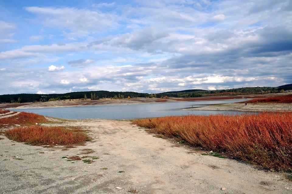 Водохранилища Крыма продолжают терять воду