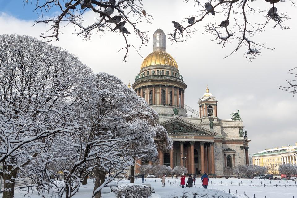 Исаакиевский собор - одна из главных достопримечательностей Петербурга