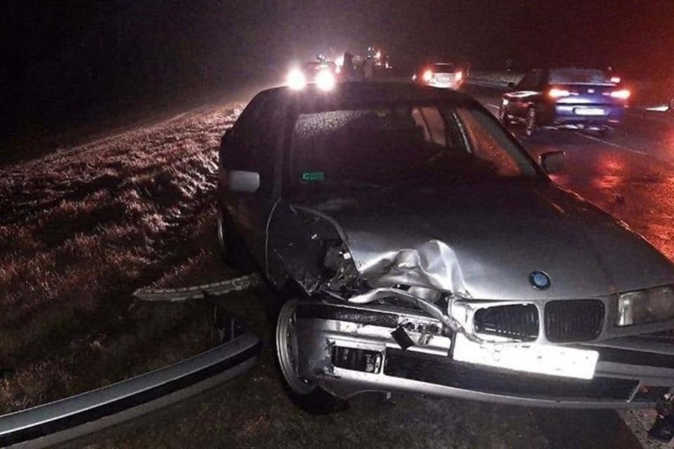 «Не все даже аварийку включили»: водители рассказали, как на обледеневшей гомельской трассе в аварию попали 15 машин