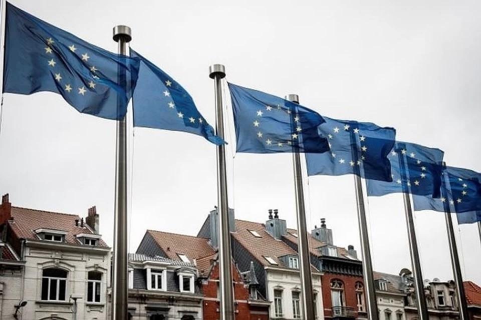 Евросоюз продлил санкции против России из-за референдума в Крыму.