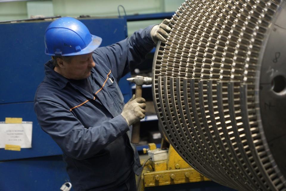 В России - катастрофическая нехватка достойных рабочих мест.