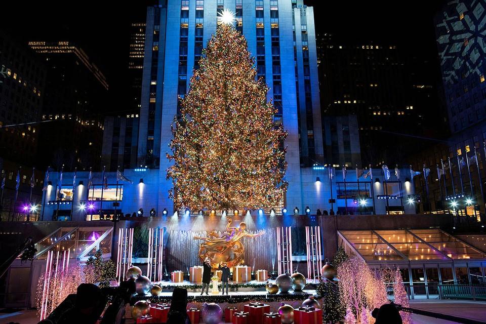 El árbol de Navidad más famoso del mundo, sin duda, aparece todos los años en el Rockefeller Center de Nueva York.