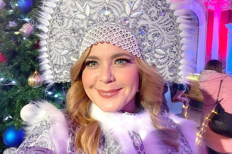 Актриса Ирина Пегова в образе Снегурочки.