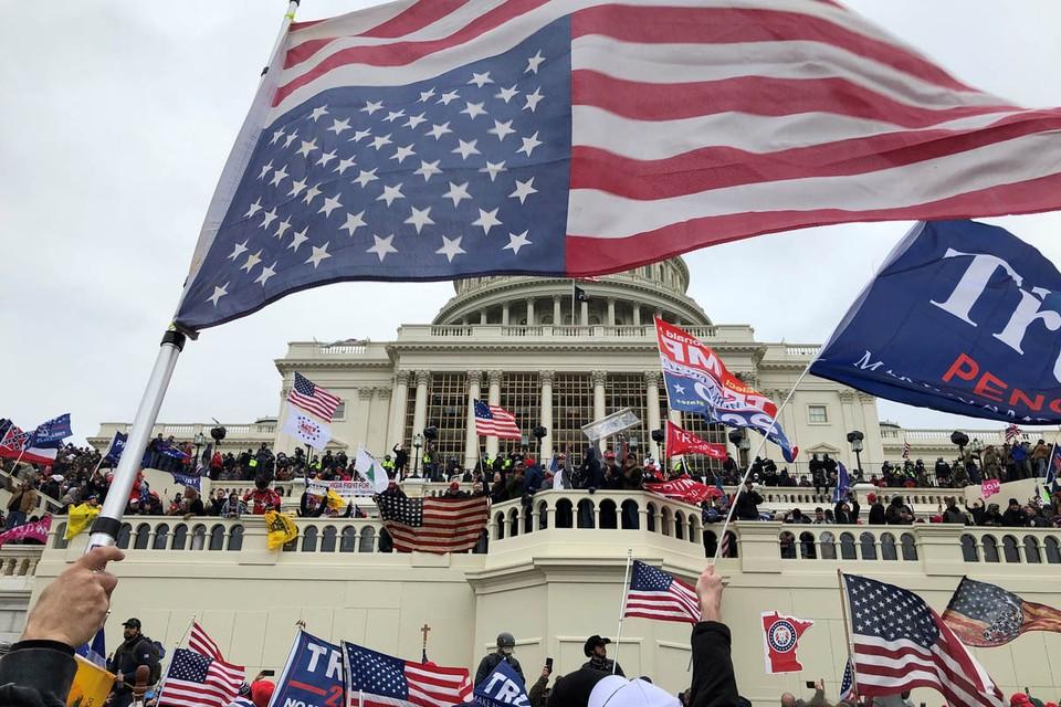 События, произошедшие вчера, 6 января, в американской столице, привлекают внимание всего мира в первую очередь, потому, что США долго и настойчиво утверждали, что именно они являются чуть ли не единственным эталоном демократии и порядка.