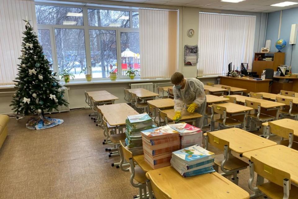 В учебных заведениях региона проходит генеральная уборка. Фото: Департамент информационной политики Свердловской области